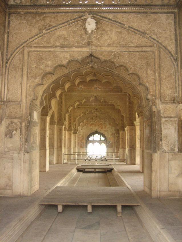 delhi_fort_kanal.jpg