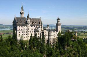 800px-Castle_Neuschwanstein