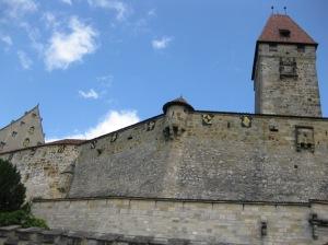 Torturm (Bulgarenturm) und Hohes Haus (ganz links)