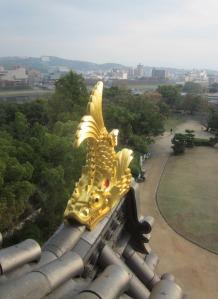 Goldene Drachen auf dem Dach