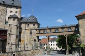Der hölzerne Gang zur Laurentiuskirche